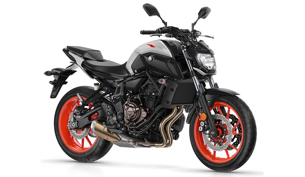 motorcycle yamaha black and grey